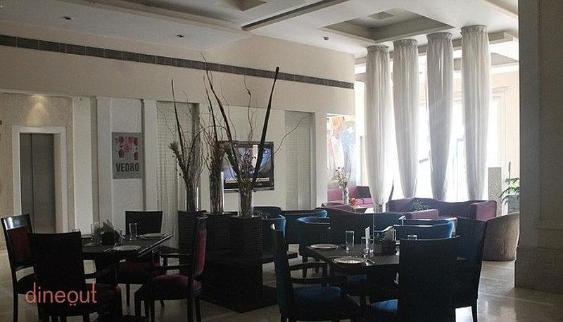 Vedro Lounge & Bar Sector 29