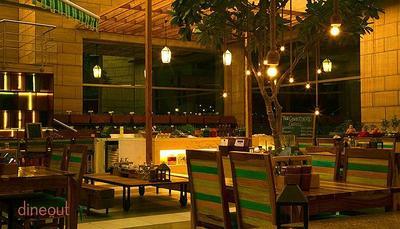 Downtown Kitchen & Bar - Courtyard By Marriott