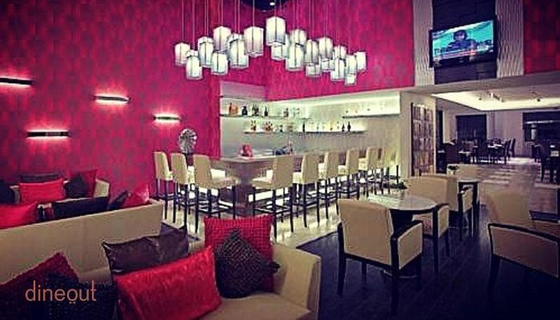 Big Shot Bar-Country Inn & Suites by Carlson Sector 29