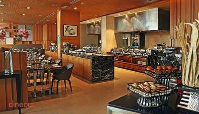 Cafe on 3 - Holiday Inn